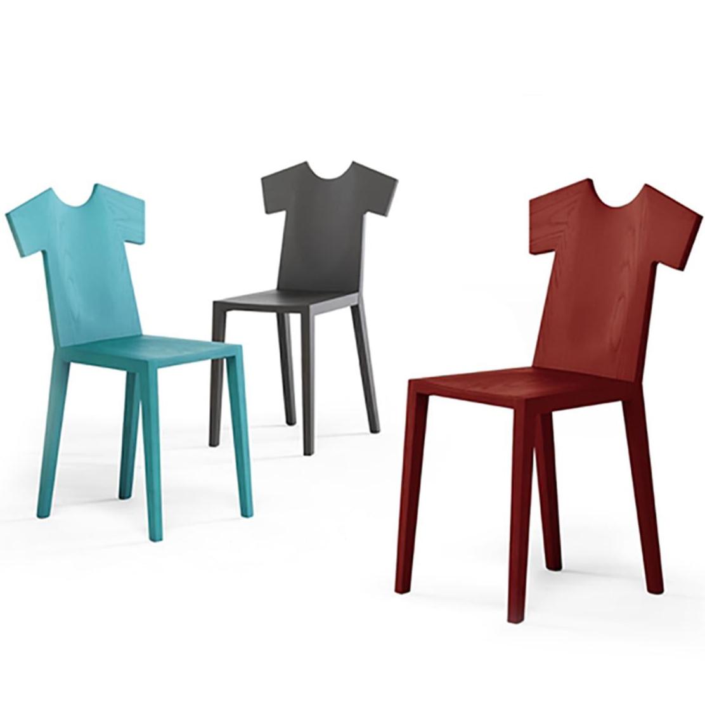 Обеденный стул T-chair в виде футболки от Mogg