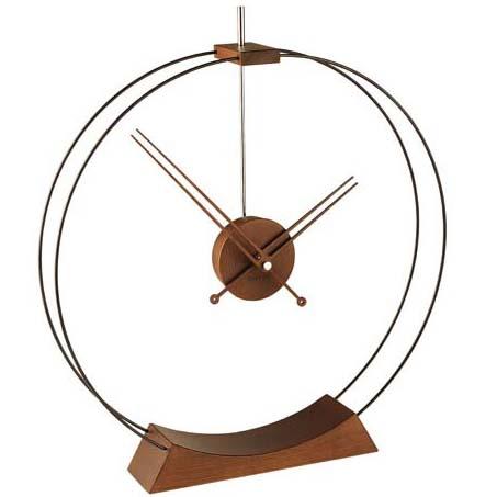 Настольные часы Aire от испанской фабрики Nomon