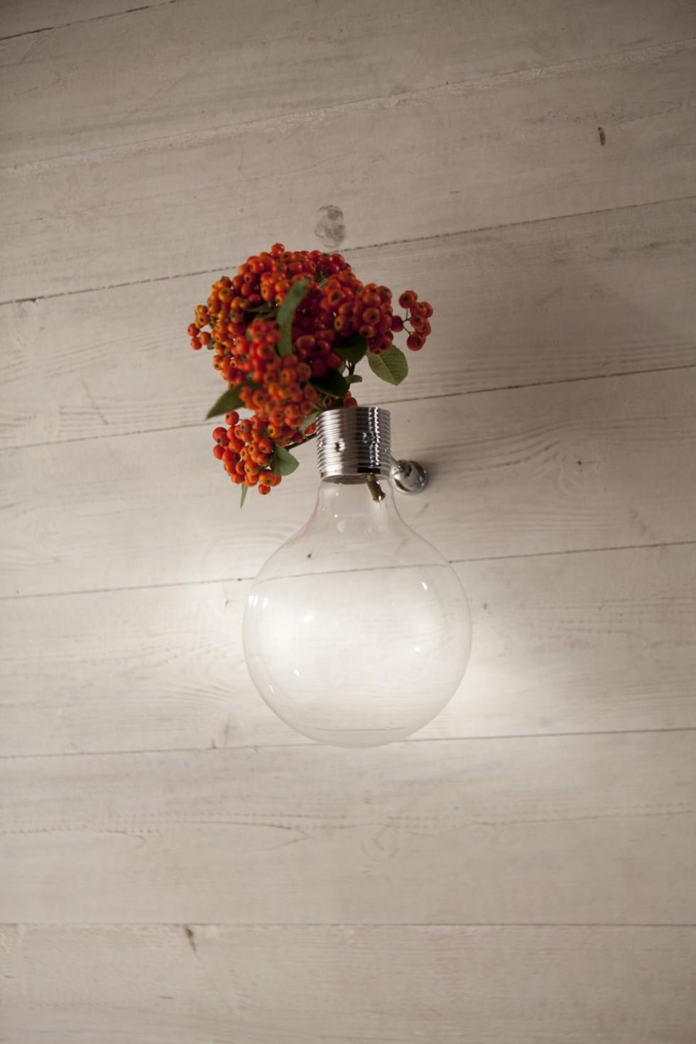 Vesoi Настенная ваза Il bulbo от итальянского бренда Vesoi
