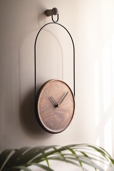 Настенные часы Eslabon от испанского бренда Nomon