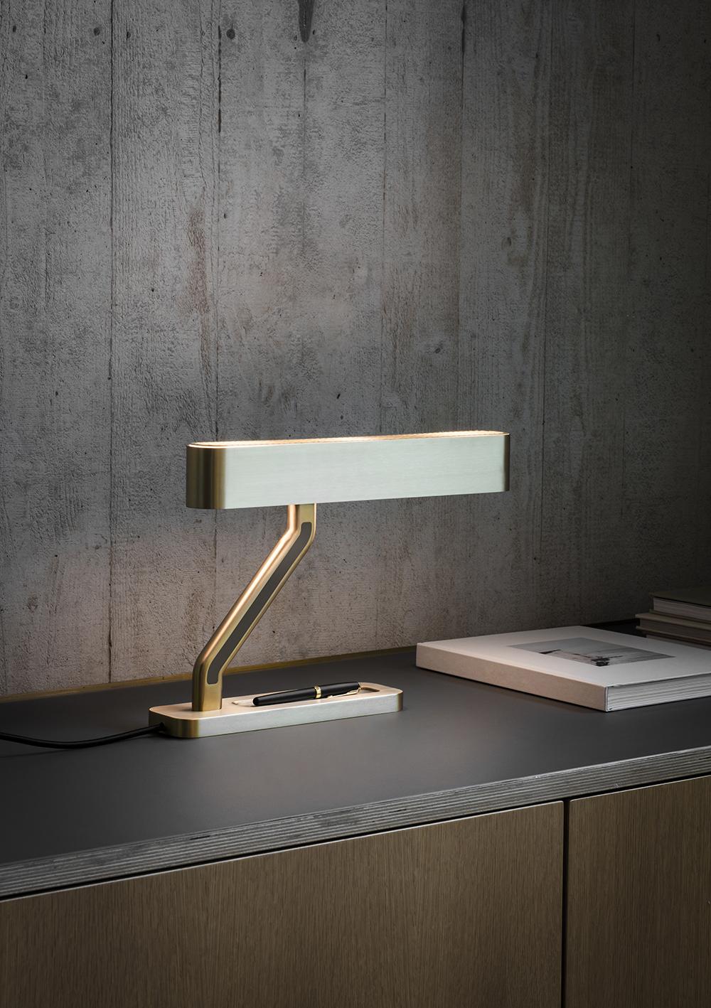 Bertfrank (RU) Настольная лампа Colt от британского бренда Bert Frank