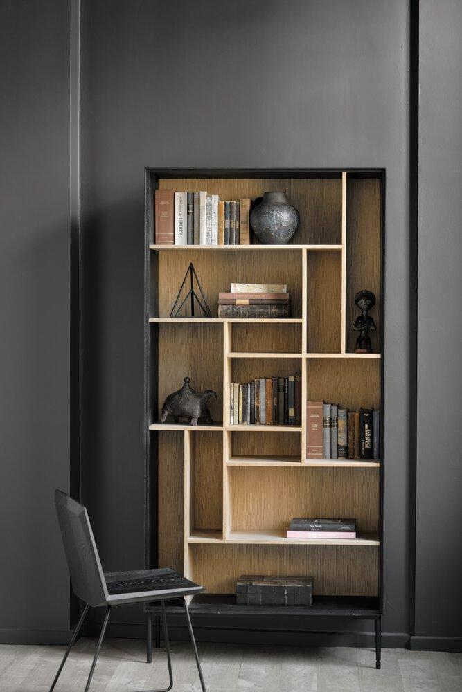 Ethnicraft Книжный шкаф Oak Blackbird rack от бельгийского бренда Ethnicraft