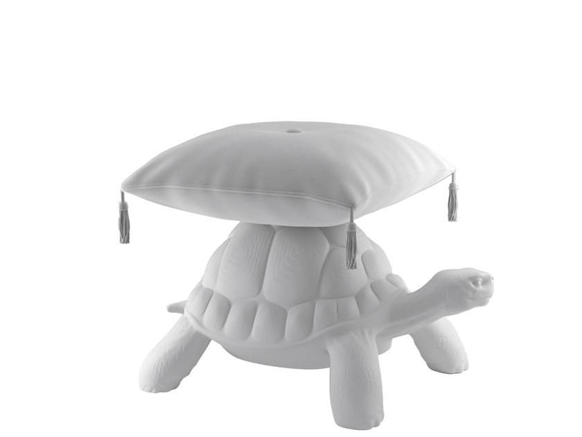 Qeeboo Пуф Turtle Carry от итальянского бренда Qeeboo