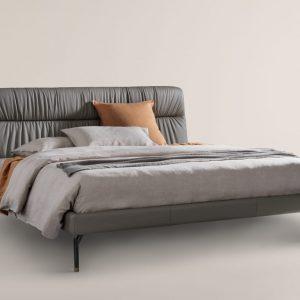 Кровать Otto от итальянского производителя Frag