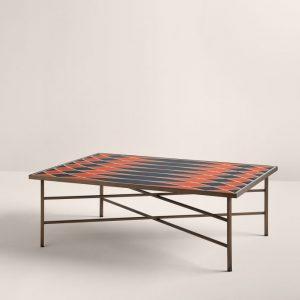Кофейный стол Motif 100 от итальянского бренда Frag